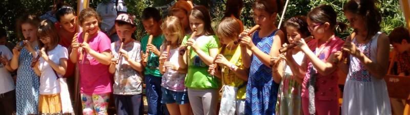 Bambini con flauto